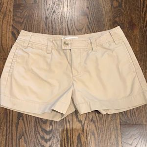 Gap size 10 women's khaki shorts